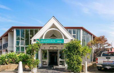 Quality_Inn_Angus-Wellington-Exterior_view-366204.jpg