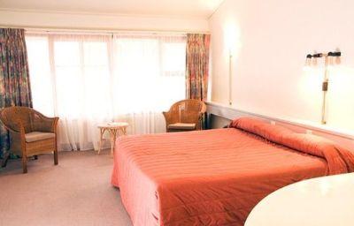 Quality_Inn_Angus-Wellington-Room-366204.jpg