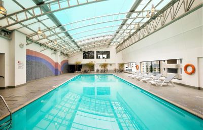 Swimming pool DANN CARLTON Q