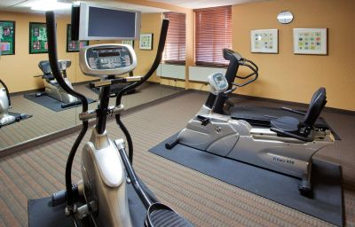 Wellness/Fitness Holiday Inn Express FAIRFAX - ARLINGTON BOULEVARD