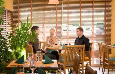 ibis_Laval_le_Relais_dArmor-Laval-Restaurantbreakfast_room-1-367450.jpg