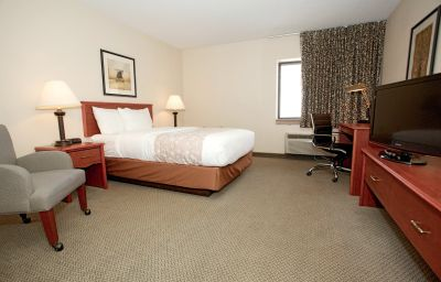 LA_QUINTA_INN_MILWAUKEE_WEST_BROOKFIELD-Brookfield-Room-2-368248.jpg
