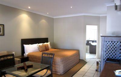 BEST_WESTERN_BUNGIL_CREEK_MTL-Roma-Room-9-368786.jpg
