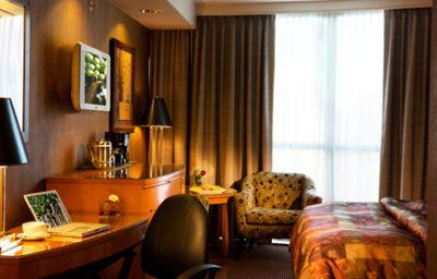 EXECUTIVE_HOTEL_VINTAGE_PARK-Vancouver-Room-4-370008.jpg