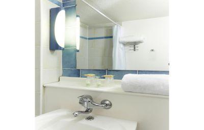Campanile_Strasbourg_Ouest_Zenith-Strasbourg-Bathroom-371457.jpg