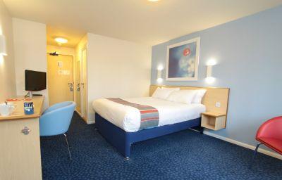 TRAVELODGE_LONDON_KINGSTONUPON_THAMES-London-Room-1-373512.jpg