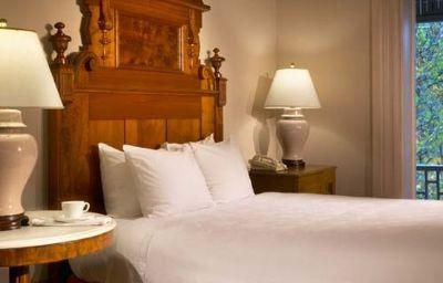 Morrison_Clark_Historic_Hotel-Washington_D_C_-Standardzimmer-3-373632.jpg