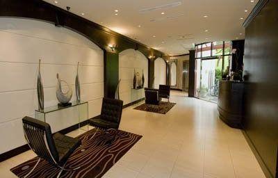 GRANVILLE_ISLAND_HOTEL-Vancouver-Hall-2-373672.jpg