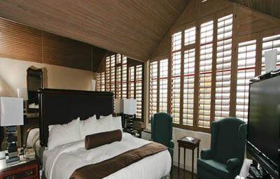 GRANVILLE_ISLAND_HOTEL-Vancouver-Room-1-373672.jpg