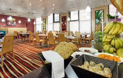 Restaurant/salle de petit-déjeuner Novotel Paris Porte d'Italie