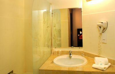 Bathroom Le Baou