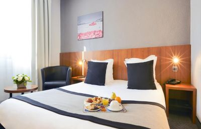 Kyriad_MARSEILLE_CENTRE_-_Paradis_-_Prefecture-Marseille-Double_room_standard-6-375201.jpg