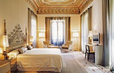 Hospes_Palacio_de_los_Patos-Granada-Suite-1-375353.jpg