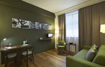 Citadines_Prestige_Holborn_Covent_Garden_London-London-Room-7-378131.jpg