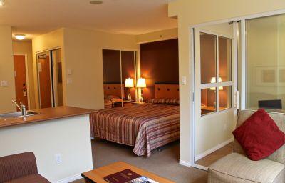 910_BEACH_APT_HOTEL-Vancouver-Suite-9-381208.jpg