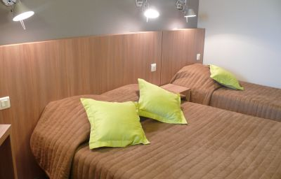 Balladins_Mulhouse_Euroairport-Bartenheim-Standard_room-381401.jpg