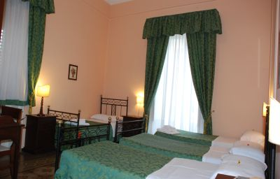 Four-bed room Del Centro Palermo (Sicilia)