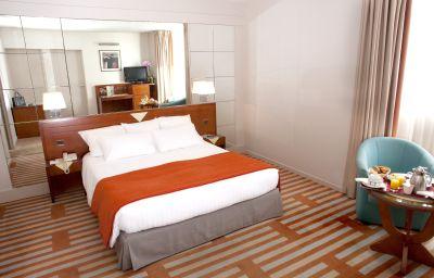 Helianthal-Saint-Jean-de-Luz-Double_room_standard-382244.jpg