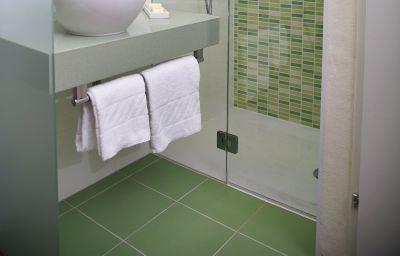 Bathroom Wandl