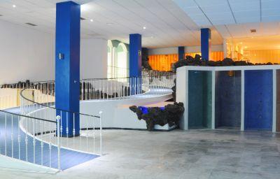 Część wewnętrzna hotelu La Quinta Park Suites Hotel Spa