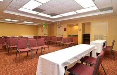 Comfort_Inn_Hwy_290NW-Houston-Conference_room-2-385878.jpg