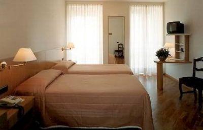 Tre_Re_Albergo_Ristorante-Como-Room-387071.jpg