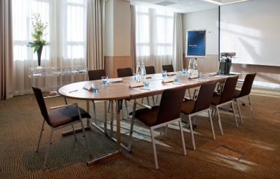 Conference room Novotel Reading Centre