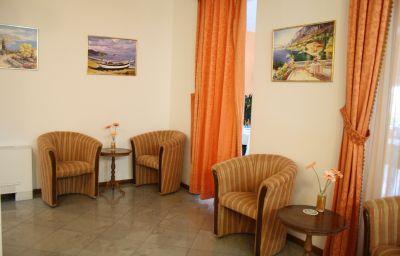 Hall de l'hôtel Danica