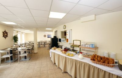 Appart_City_Pontoise_Cergy_le_Haut_Residence_Hoteliere-Cergy-Breakfast_room-1-389897.jpg