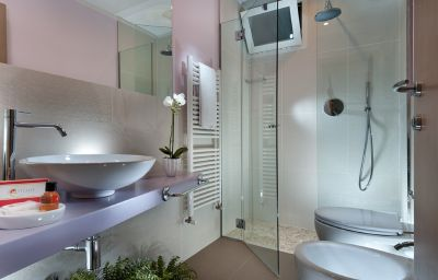 Estense-Bellaria-Bathroom-1-389954.jpg