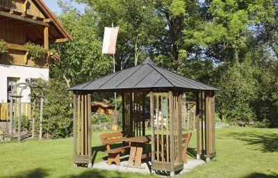 Die_Altmuehlaue_Land-_Aktivhotel-Bad_Rodach-Garten-1-390692.jpg