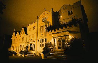 Mandolay-Guildford-Exterior_view-5-390718.jpg