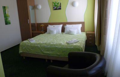 Chambre double (confort) Jfm Hotel