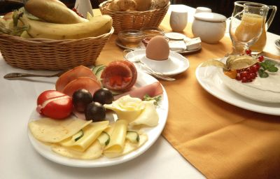 Bufet śniadaniowy Am Meilenstein