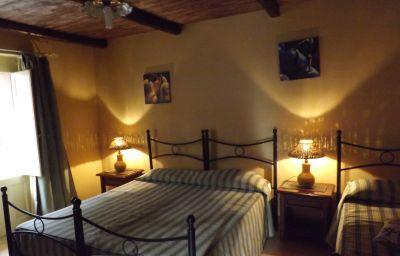 Pokój czteroosobowy Santa Caterina Albergo Diffuso