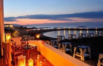 Knossos_Beach_Bungalows_Suites-Iraklio-Interior_view-1-392122.jpg