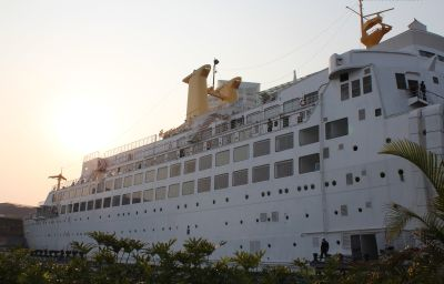 Exterior view Honlux Cruise Inn Boat Shenzhen (Guangdong Province)