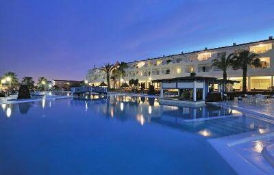 Globales_Costa_Tropical_Apartamentos-Antigua-Exterior_view-3-392823.jpg