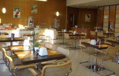 Des_Alpes-Rosta-Breakfast_room-3-393250.jpg