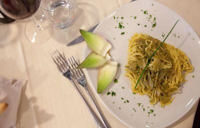 Des_Alpes-Rosta-Restaurant-7-393250.jpg