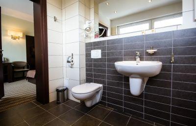 Park_Hotel_Diament-Katowice-Bathroom-2-394544.jpg