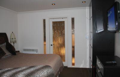 HOTEL_KUTUMA-Montreal-Room-3-395141.jpg