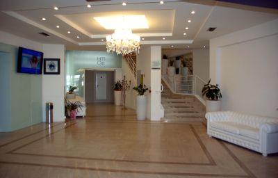 Vestíbulo del hotel Mediterraneo