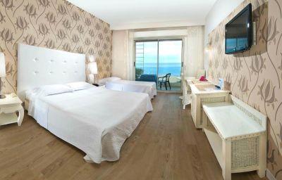 Habitación triple Mediterraneo