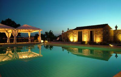 Relais_La_Corte_dei_Papi-Cortona-Pool-5-398293.jpg