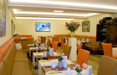 Villa_Monte_Vino-Potsdam-Breakfast_room-2-399447.jpg