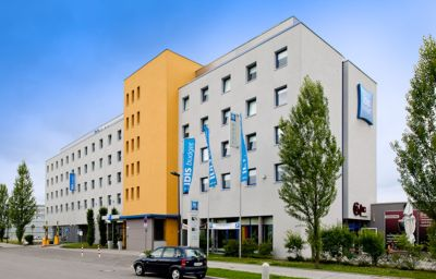 Ibis_Budget_Muenchen_Ost_Messe-Ascheim-Exterior_view-1-399565.jpg