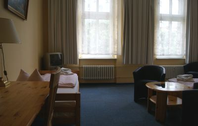 Berolina_an_der_Gedaechtniskirche-Berlin-Double_room_standard-2-400977.jpg