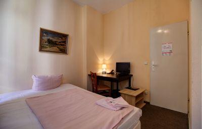 Berolina_an_der_Gedaechtniskirche-Berlin-Room-4-400977.jpg