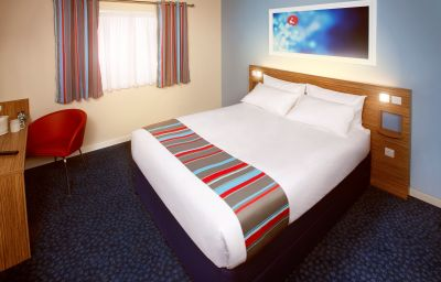 TRAVELODGE_NEWPORT_ISLE_OF_WIGHT-Newport-Double_room_standard-401323.jpg